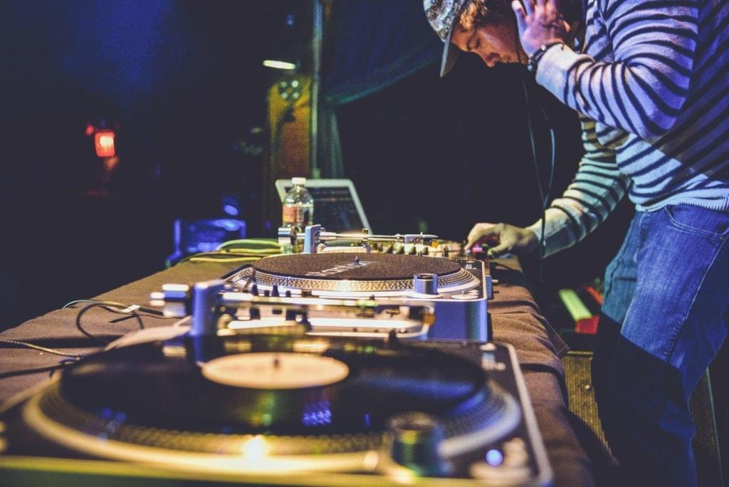 DJ am Pult