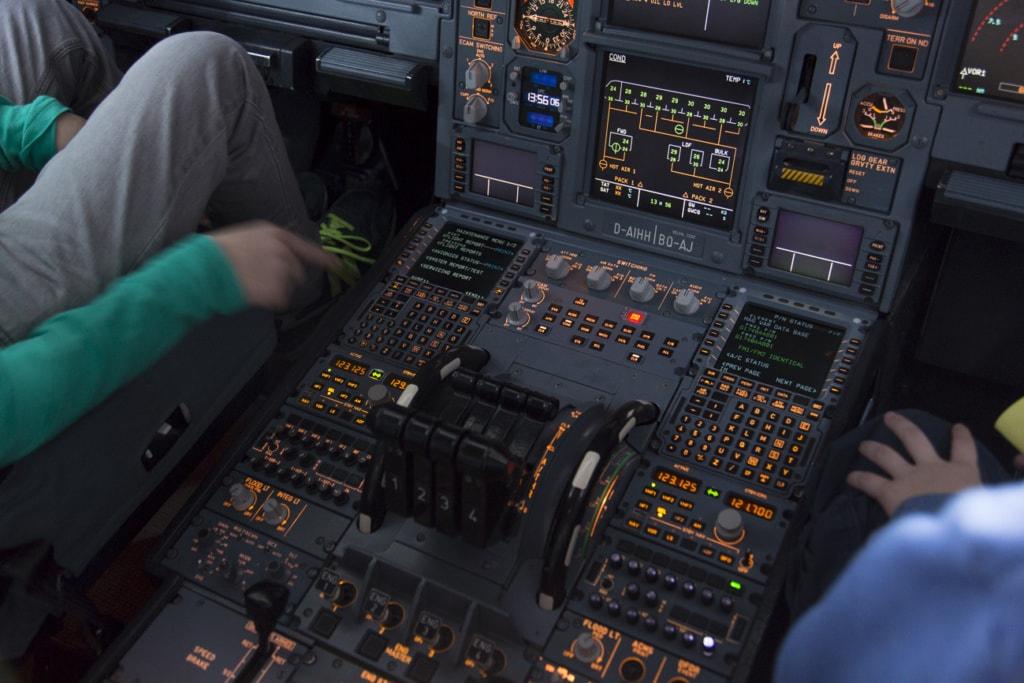 Seminar gegen Flugangst: Sitzen im Cockpit