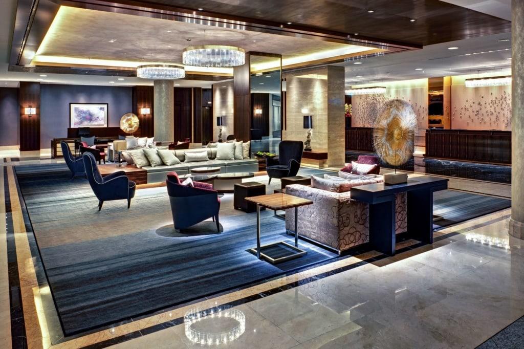 Öffentliche Chill-Area im Hilton Hotel am Gendarmenmarkt