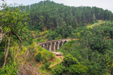Aussicht auf die Nine Arches Bridge in Ella