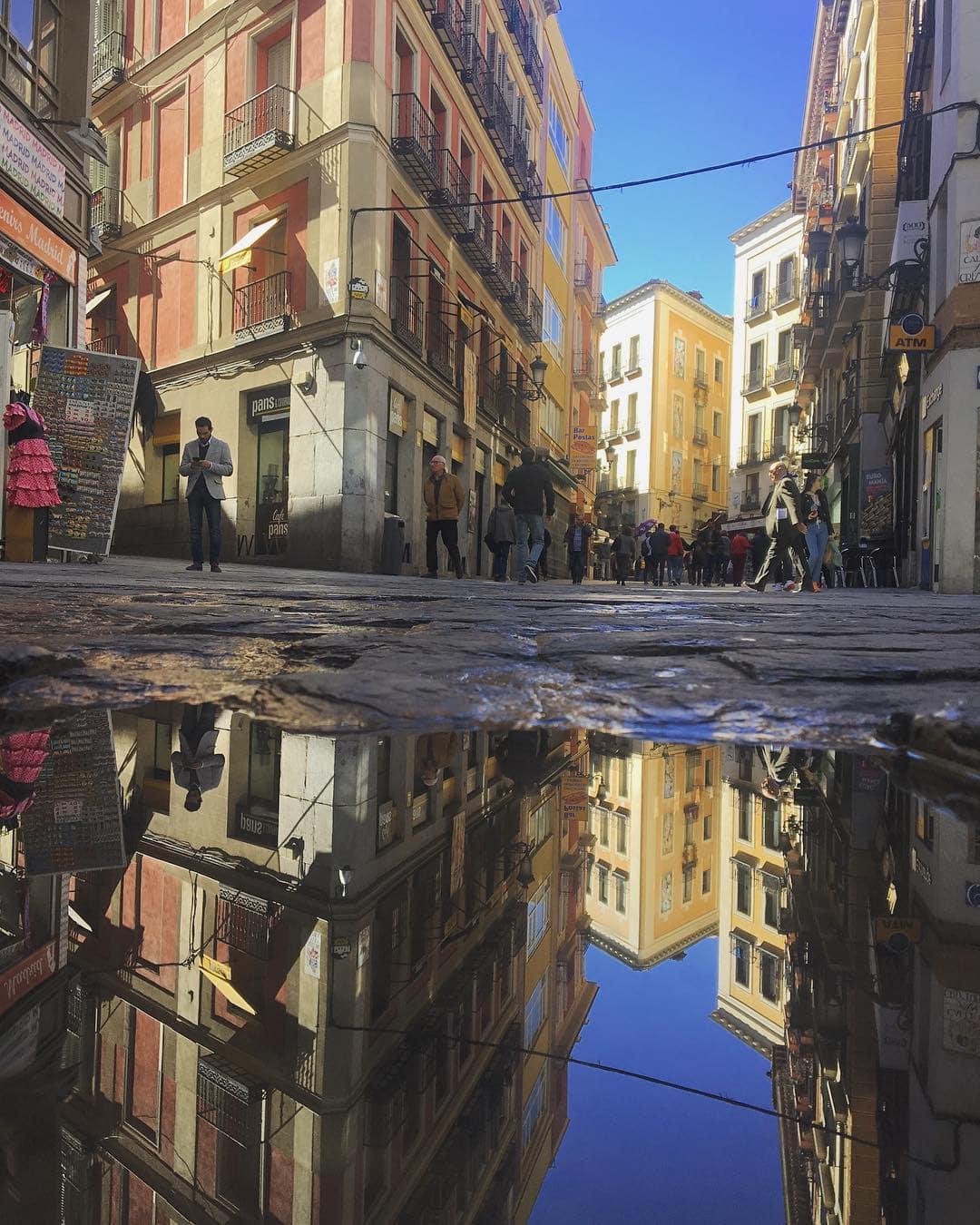 Ein Spaziergang durch Madrid. Redakteurin Linda @gold_gelb knipste die spanische Hauptstadt mal aus einer etwas anderen Perspektive #reportervorort #passionpassport #mytinyatlas #welivetoexplore #madrid #travelspain #photography