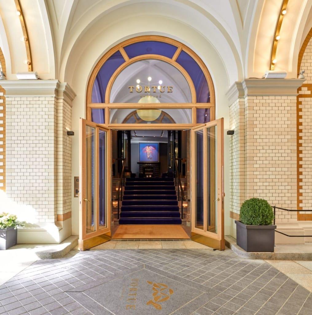 Eingang Hotel Tortue Hamburg