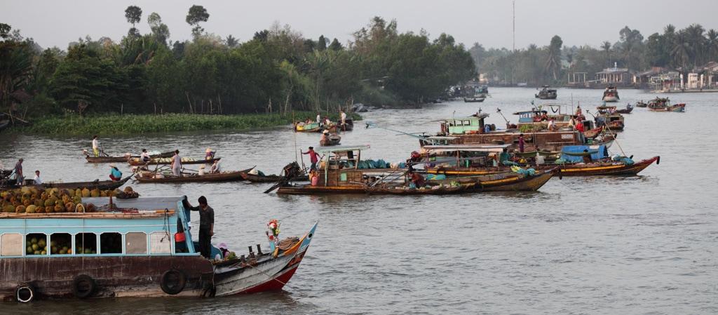 Der fahrende Markt bei Can Tho in Vietnam ist ein wahres Erlebnis.
