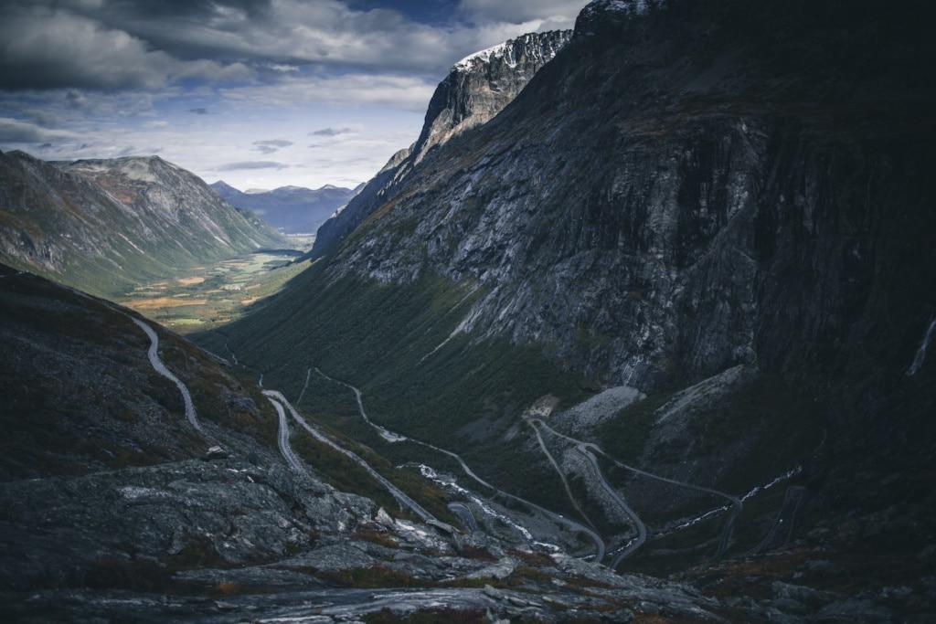 Trollstigen in Norwegen ist eine der kurvenreichsten Straßen der Welt.