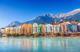 Panorama von Innsbruck, mit Inn, Mariahilf und Bergen