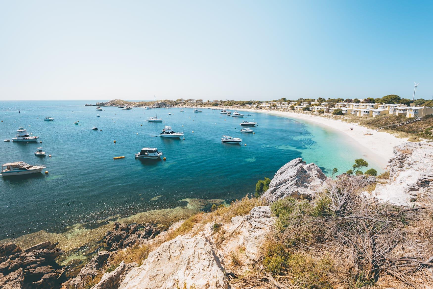 Traumhafte Bucht auf Rottnest Island in Australien