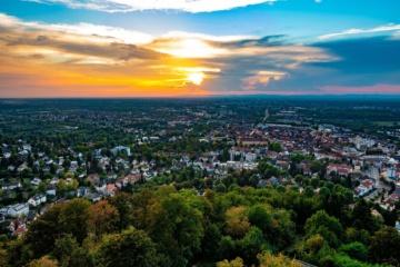 Panorama-Blick über Karlsruhe vom Thurmberg