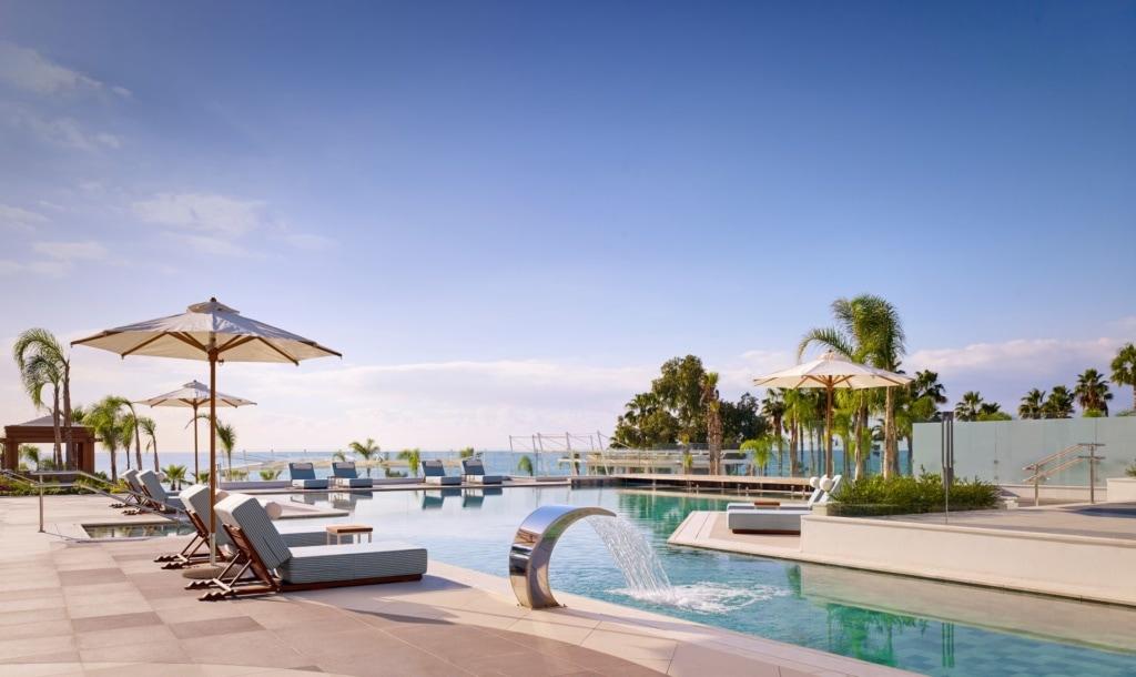 Swimmingpool im Parklane Hotel Zypern