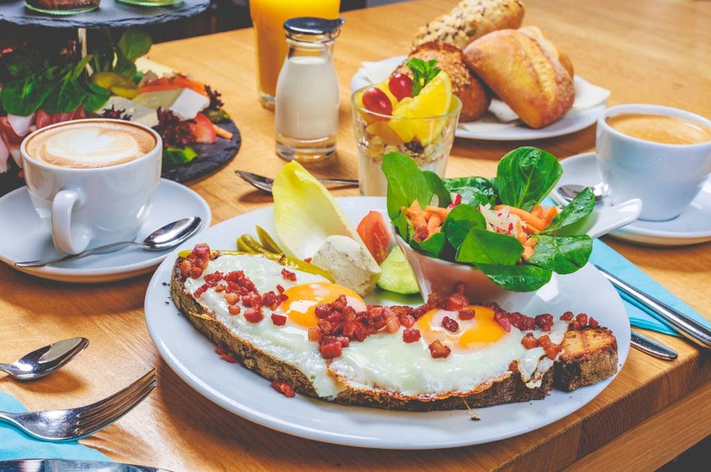 Spiegelei-Frühstück im Cafe Juli in Karlsruhe