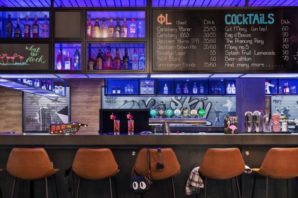 Bar im Moxy Kopenhagen