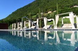 Das Hotel Giardino Marling liegt wunderschön im Grünen.