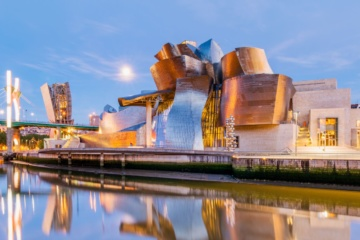 Fassade des Guggenheim-Museum in Bilbao