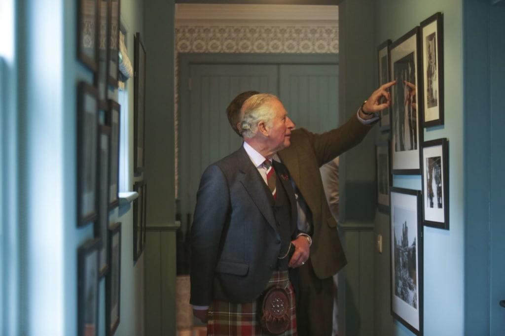 Prinz Charles während der Eröffnung der Granary Lodge