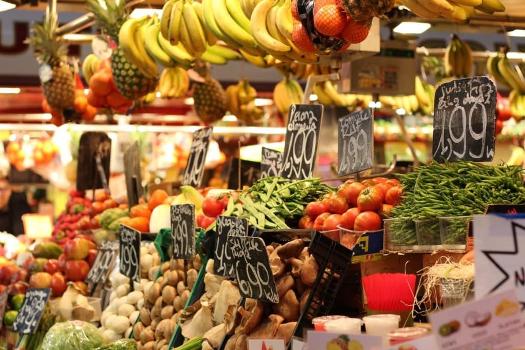 Obst- und Gemüsemarkt in Spanien