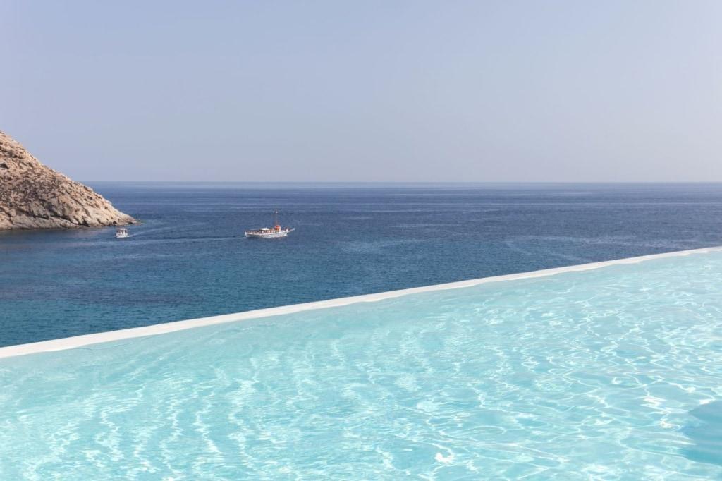 Infinity Pool im The Wild Hotel auf Mykonos