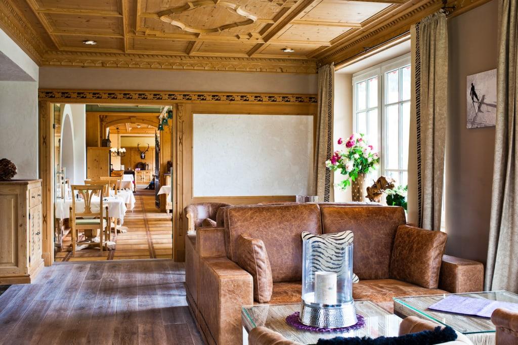 Im Genießerhotel Hohenfels trifft rustikale Einrichtung auf schmucke Design-Stücke.