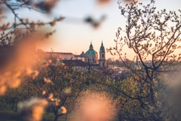 Prag in goldenem Licht