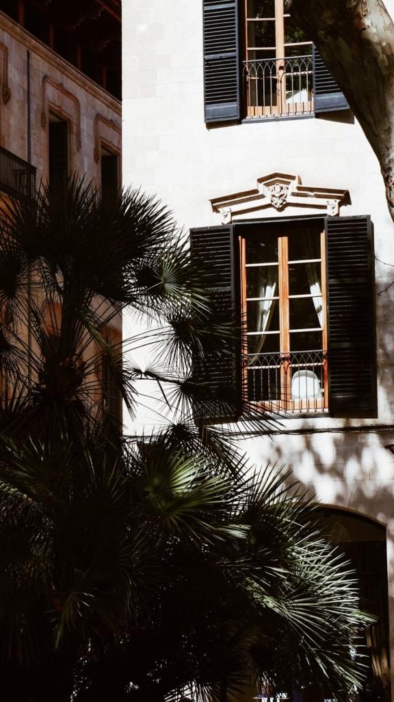 Fassade eines Hauses in Palma de Mallorca