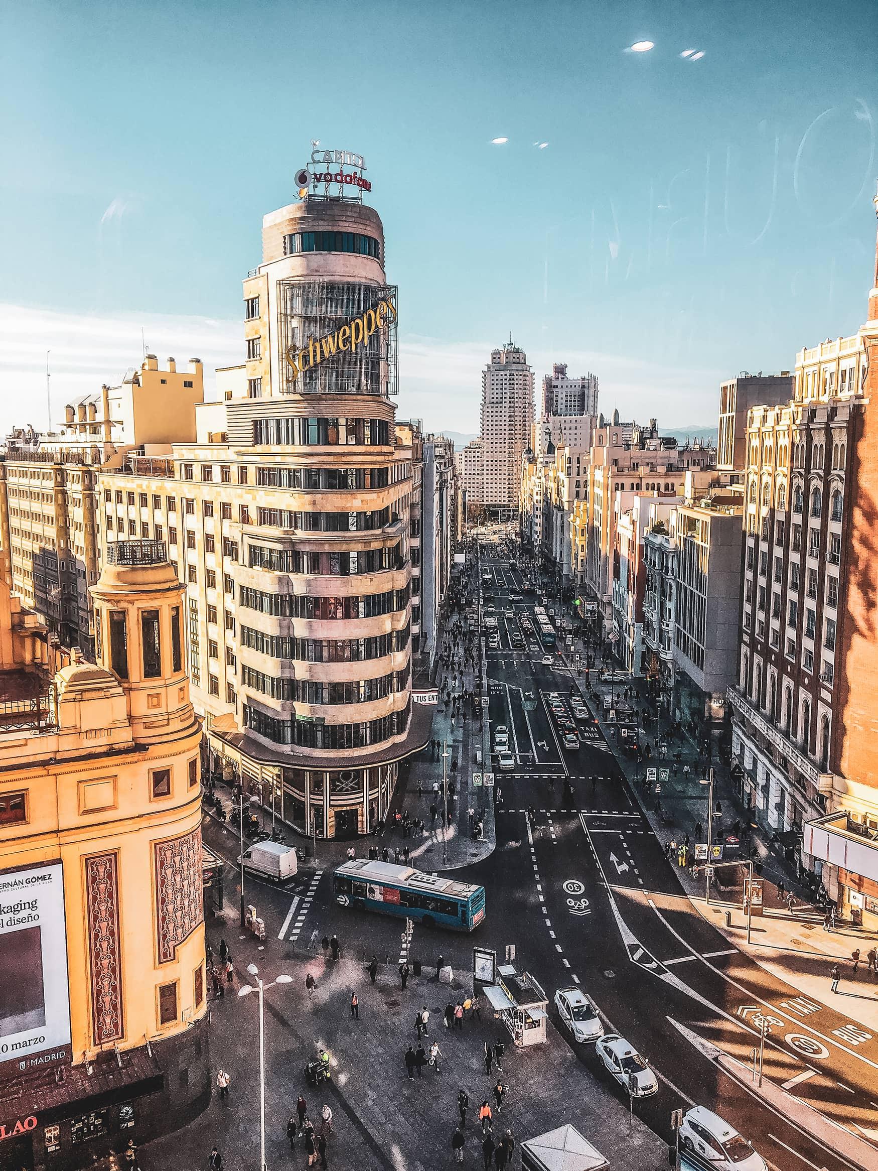 Instagram-Motiv Nummer 1 in Madrid: Das Schweppes-Gebäude an der Gran Vía