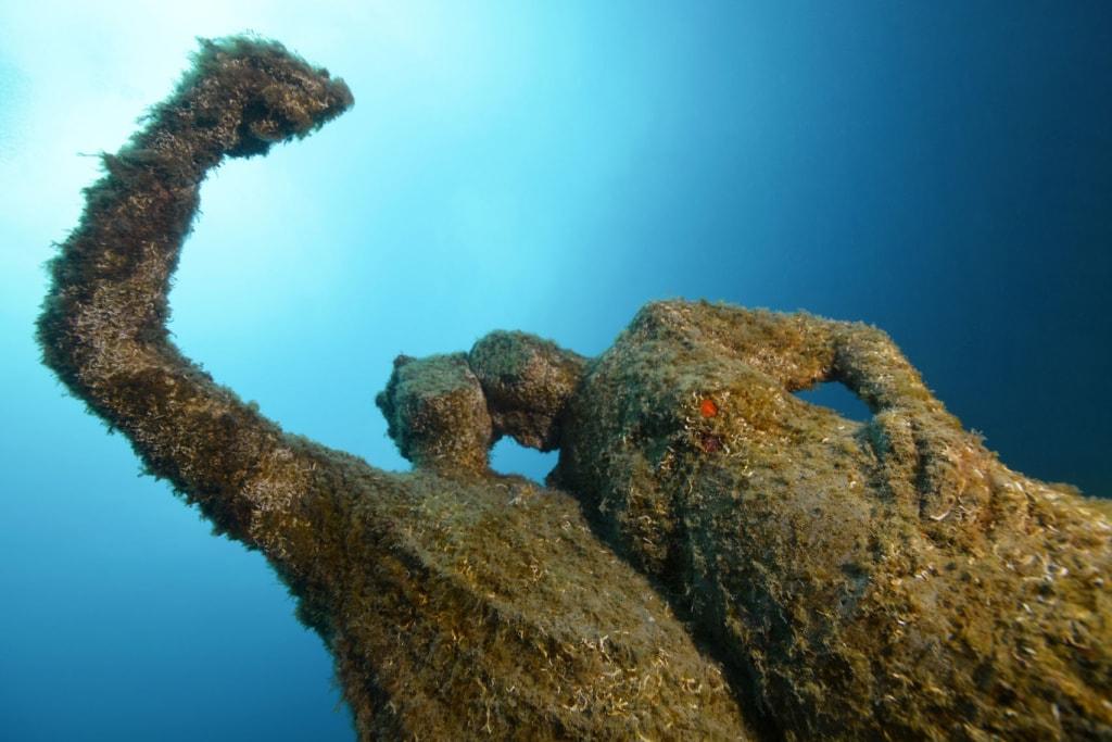 Skulpturen unter Wasser auf Lanzarote
