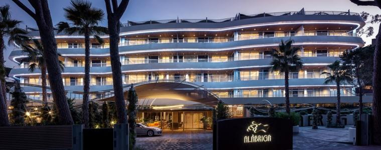 Alàbriga Hotel & Home Suites Außenansicht
