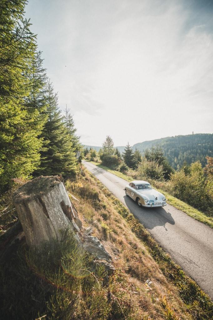 Bei der Oldtimer-Rallye Baiersbronn Classic kommen Motorsportliebhaber voll auf ihre Kosten.