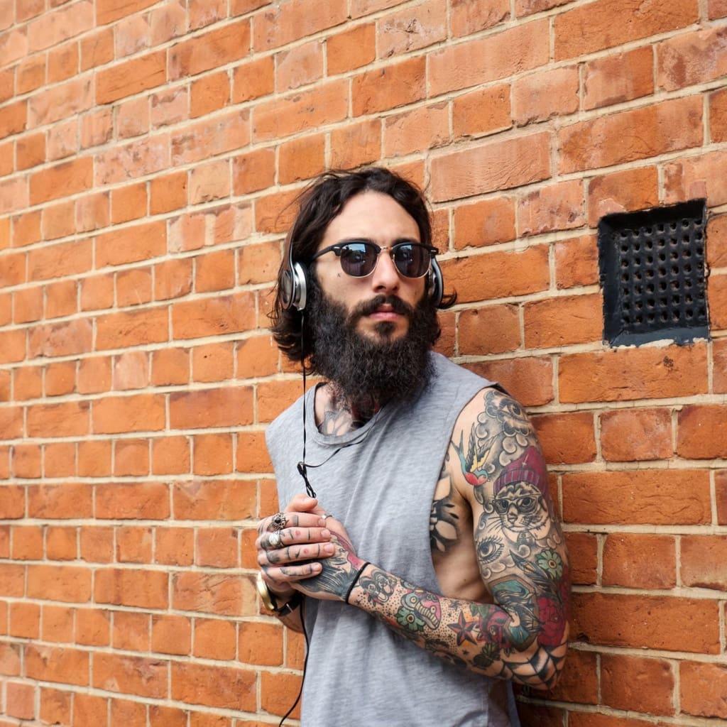 Hipster Bart Tattoos Sonnenbrille Kopfhörer