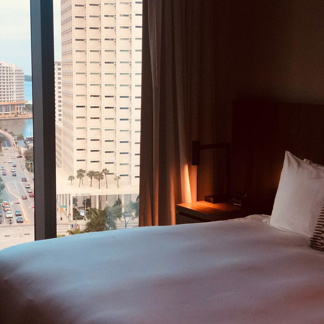 Komfortabel, mittendrin und ultracool. @fraumuksch testet gerade das @eastmia und ist begeistert. #travelgram #passionpassport #hotel #mytinyatlas