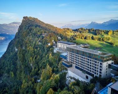 Panoramablick auf das Bürgenstock Hotels & Resort
