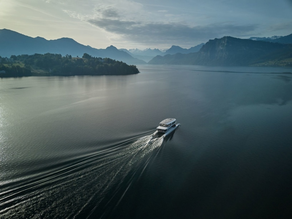 Shuttle-Boot zum Bürgenstock Hotels & Resort