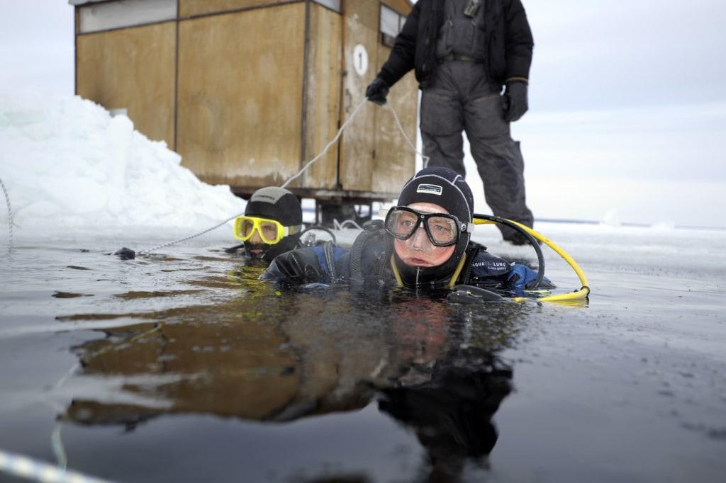Eistauchen im Weißen Meer