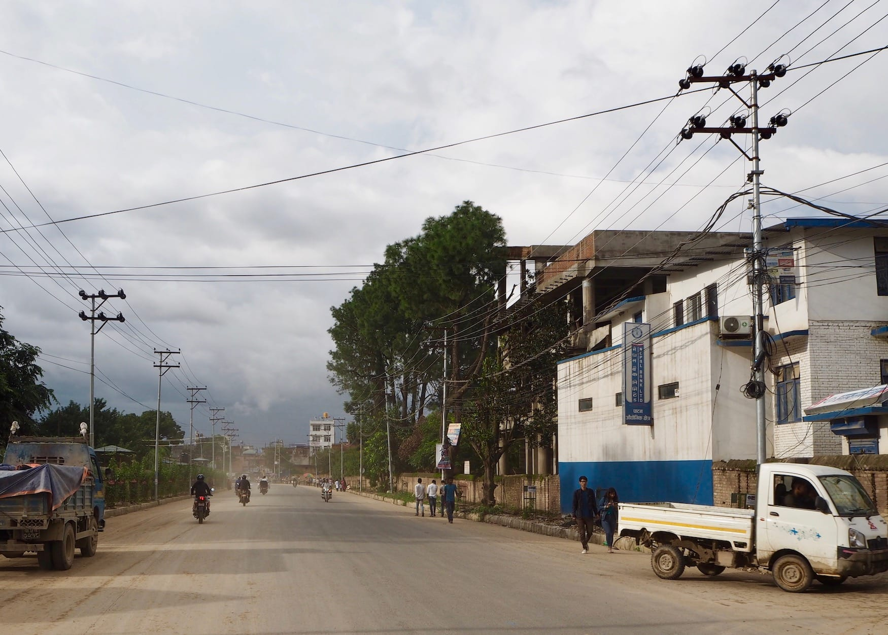 Staubige Straße in Kathmandu, Nepal