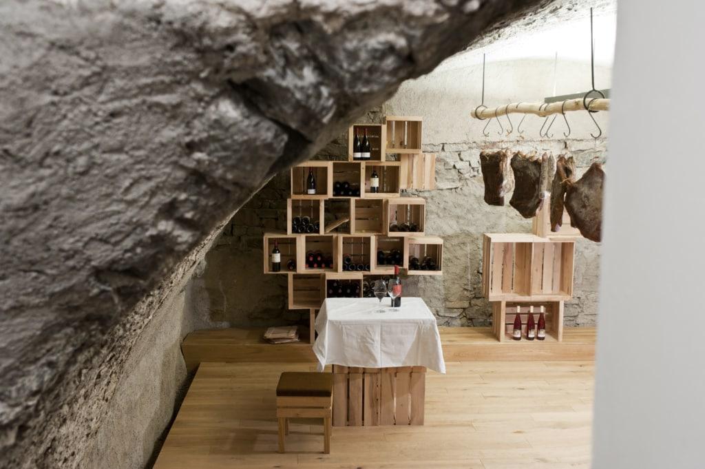 Souterrain des Pur Südtirol im Meraner Kurhaus
