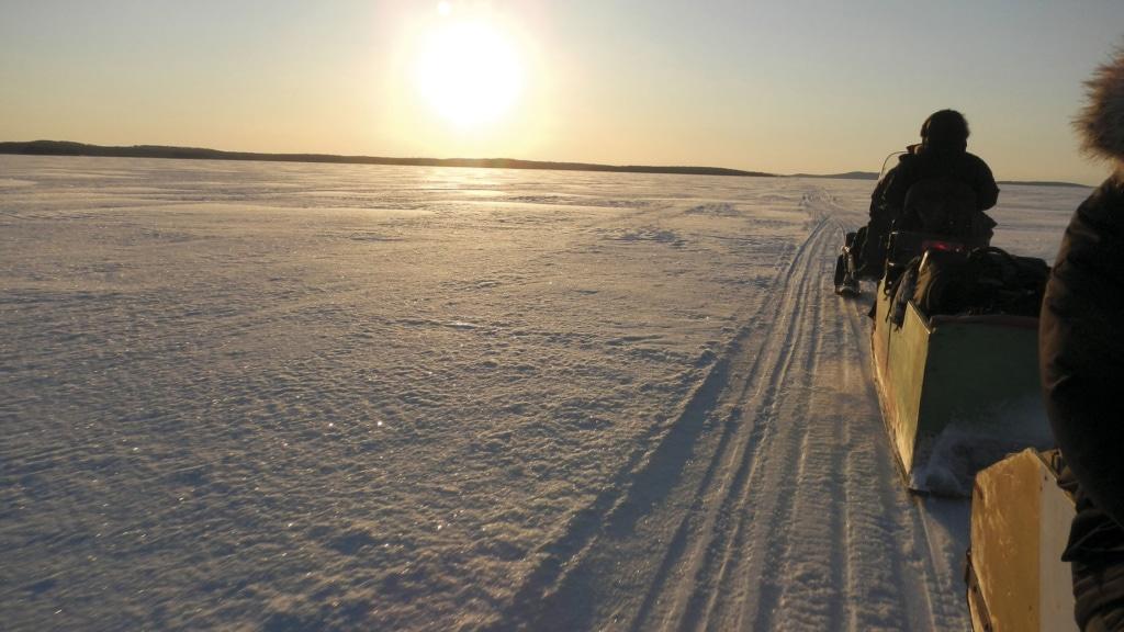 Schneeschlitten auf dem Weißen Meer