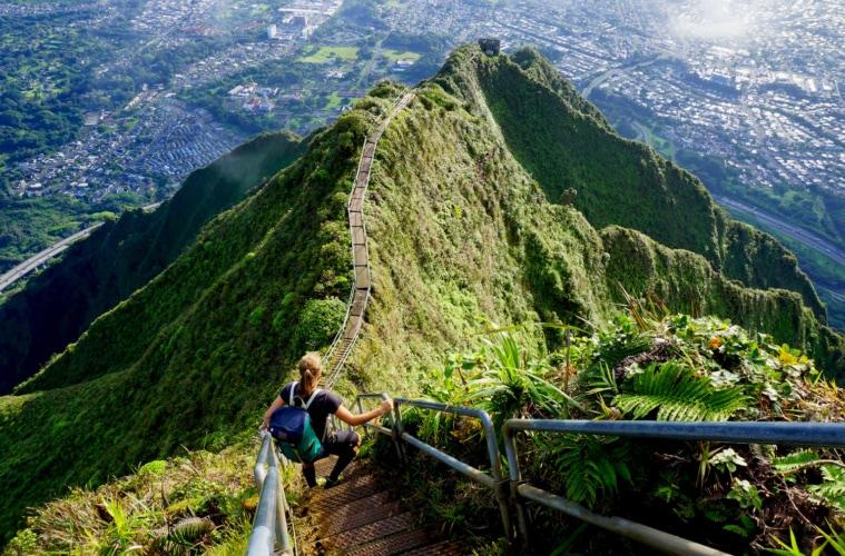 Diese Treppen auf Hawaii zählen zu einer der schönsten der Welt – leider darf man sie nicht betreten.