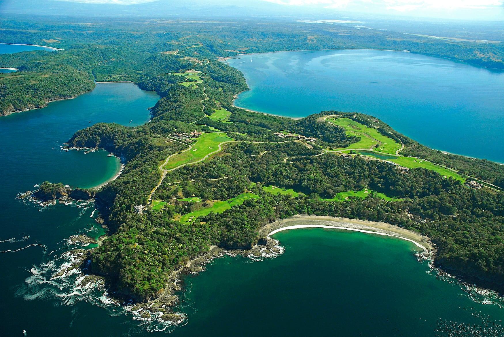 Grüne Peninsula de Papagayo in Guanacaste, Costa Rica