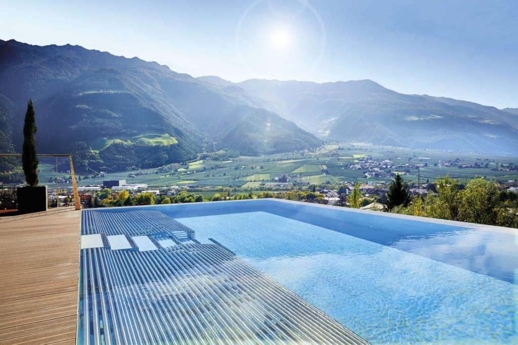 Pool im Hotel Preidlhof Luxury DolceVita Resort