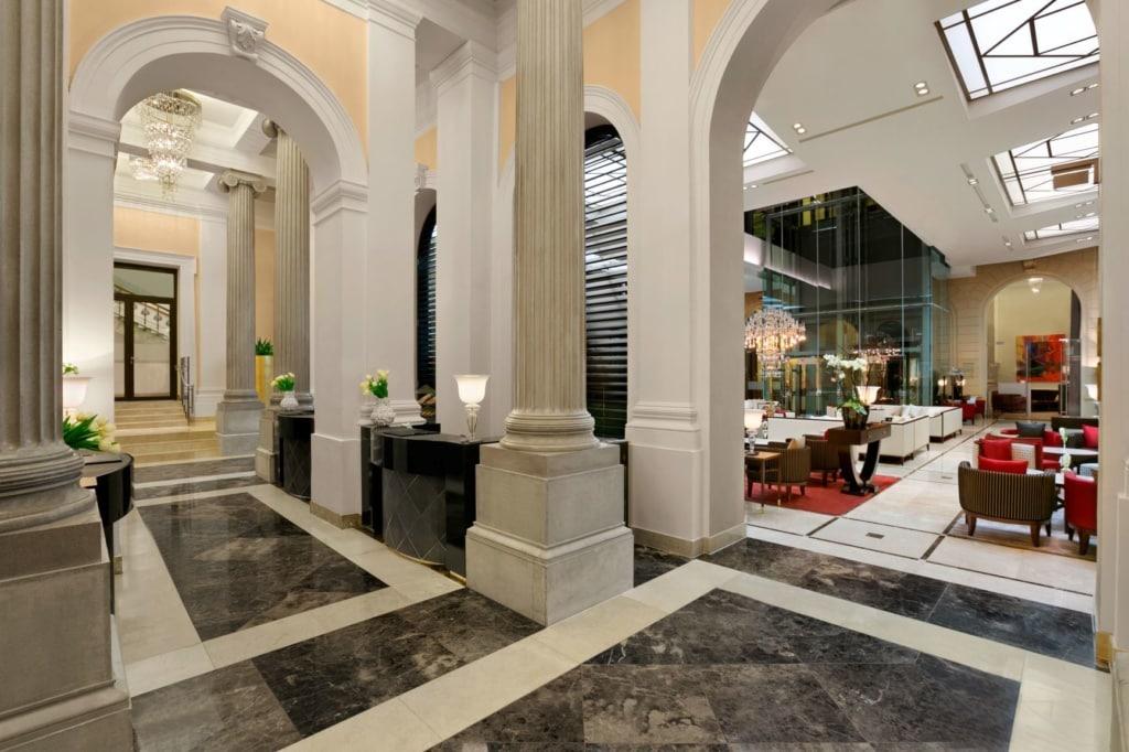 Lobby des Palais Hansen Kempinski