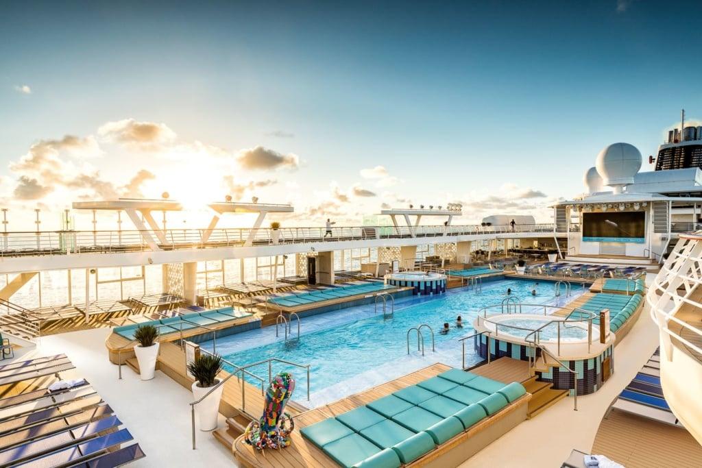 Pool auf der Mein Schiff 2