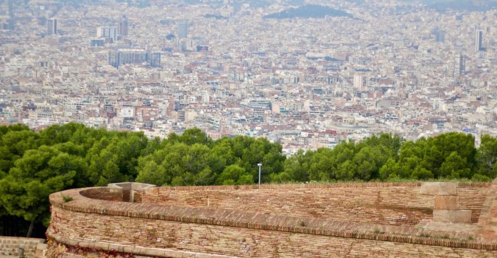 Blick vom Montjuïc auf Barcelona