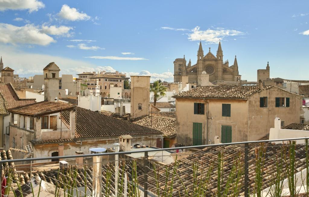 Die Aussicht von der Dachterrasse des Can Bordoy über Palma ist toll.
