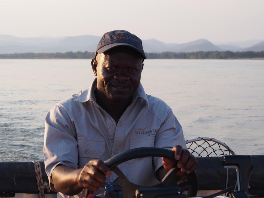 Die Guides im Chikwenya Camp in Simbabwe kümmern sich sehr rührend um die Gäste.