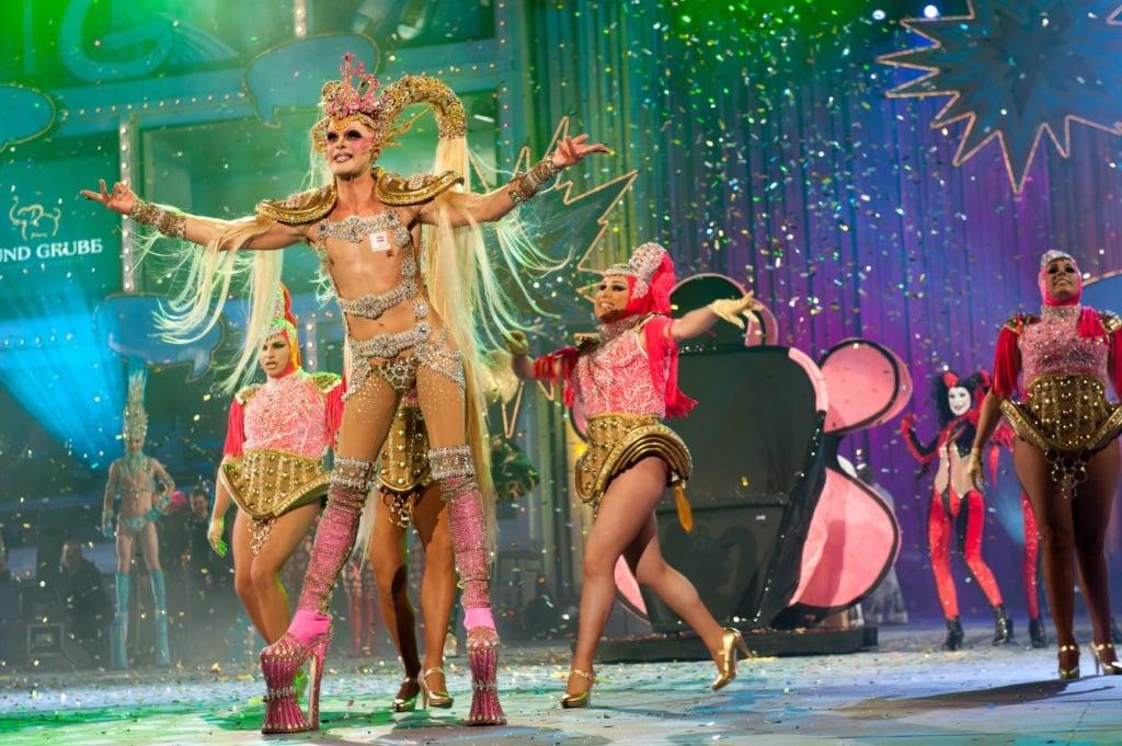 Drag Queens auf der Bühne