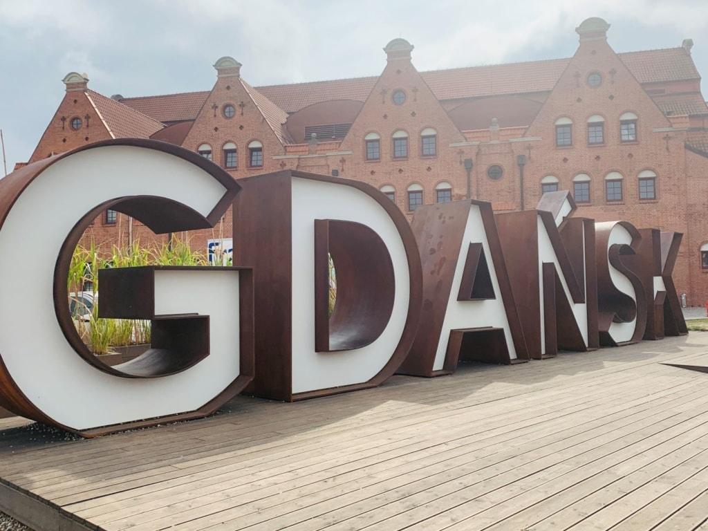 GDANSK-Riesenlogo in Danzig