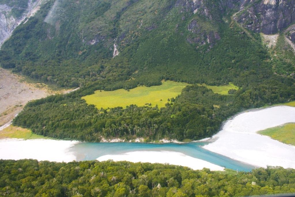 Der Blick aus dem Segelflugzeug auf den Gillespie Path in Neuseeland ist unglaublich.