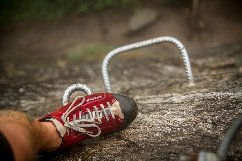 Fuß auf Klettersteig
