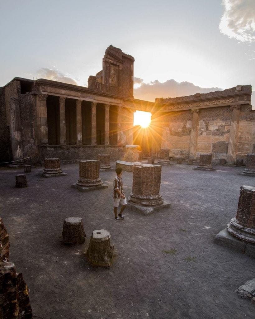 Junger Mann in Pompeii