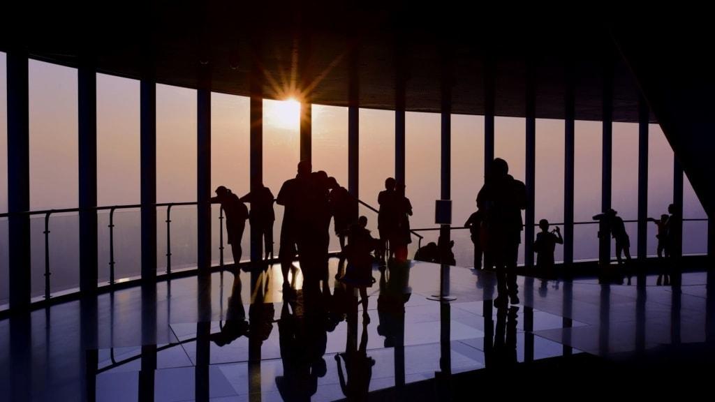 Besucher im Shanghai Tower