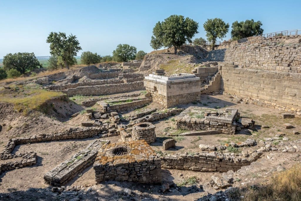 Geheimnisvolle Städte: Ruinen der Stadt Troy in der Türkei