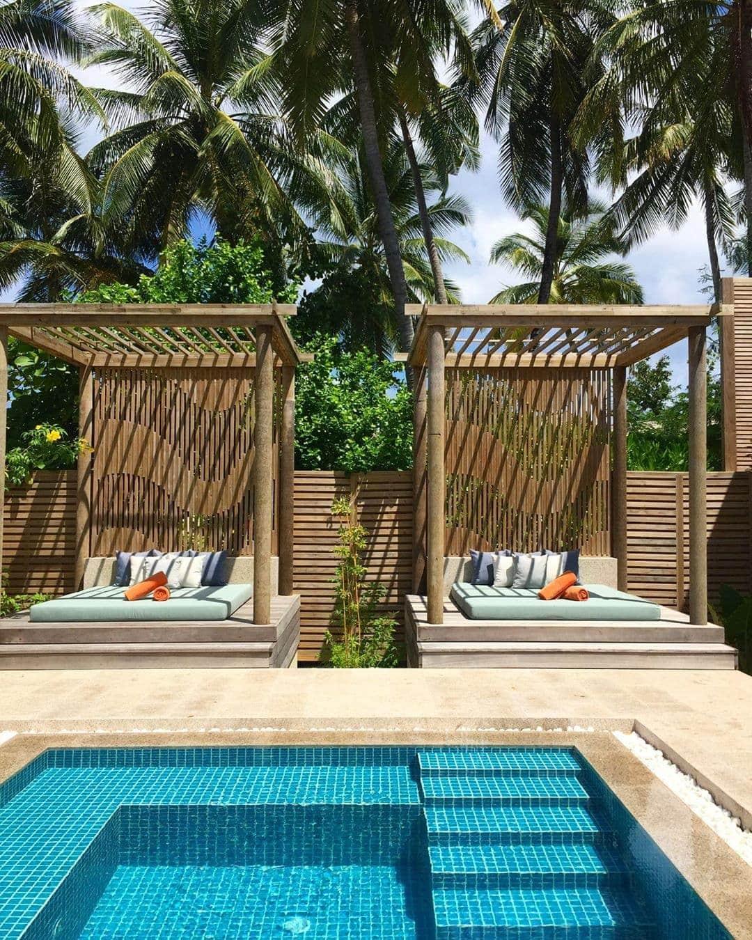 Wir haben ein neues #lieblingshotel entdeckt: das @faarufushimaldives. Jeder Fleck der kleinen Trauminsel ist ein Wohlfühlort, der wunderschöne Spa ganz besonders. Hach – wer kommt mit? #comewithme #lieblingshotel #spagoals #followthesun #faarufushimaldives #faarufushi #maledives #passionpassport #travelwithme #luxury #hoteltipp #paradies #travel
